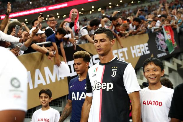 Ronaldo ghi bàn, nhưng siêu phẩm từ giữa sân của tiền đạo số 1 nước Anh giúp Tottenham ngược dòng ngoạn mục thắng Juventus 3-2 - Ảnh 1.