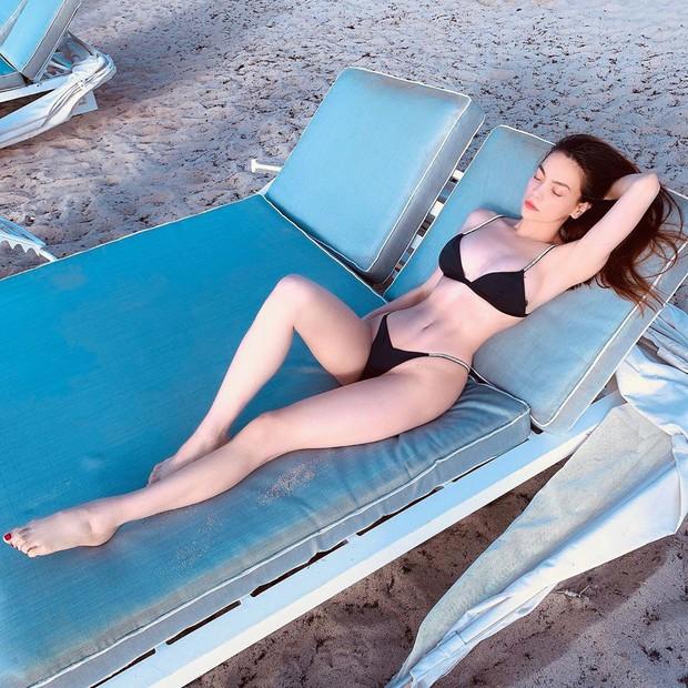 Bức ảnh phơi xương khô của nữ thi sĩ Hà Hồ: Khoe body sexy thôi chưa đủ, còn phải làm thơ hơi ngang mới chịu - Ảnh 1.