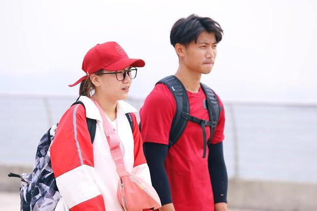 Tôn Kinh Lâm rời Cuộc đua kỳ thú, bạn gái chàng hot boy bị ném đá vì viết story ám chỉ người khác không thông minh nhưng lại sai chính tả be bét? - Ảnh 1.