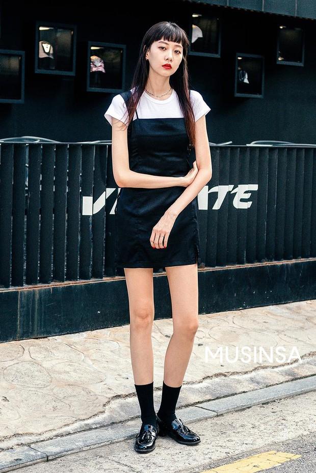 Toàn đồ basic nhưng mô đen hết cỡ, street style Hàn Quốc tuần qua sẽ khiến bạn muốn copy ngay và luôn - Ảnh 3.
