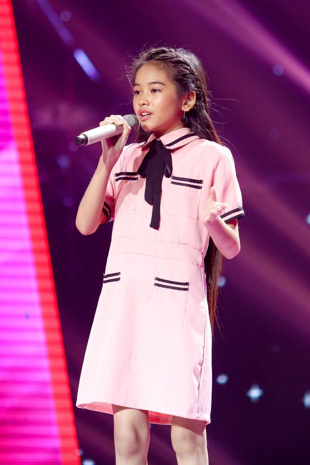 Giọng hát Việt nhí: Phạm Quỳnh Anh cướp vương miện của Hương Giang trao cho cô bé 11 tuổi - Ảnh 7.