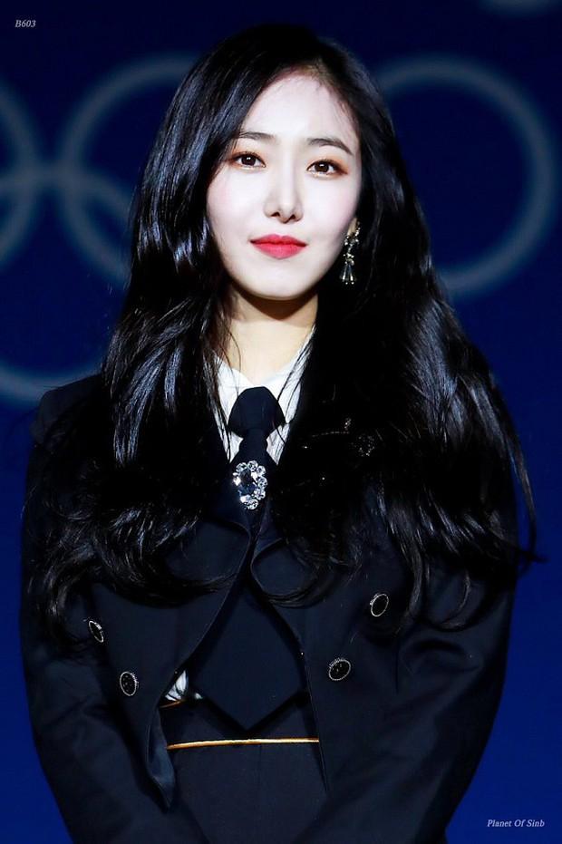 30 nữ idol nhóm nhạc Kpop hot nhất: Ngỡ ngàng Jennie quá khiêm tốn, mỹ nhân sexy qua mặt cả nữ thần Irene chiếm No.1 - Ảnh 5.