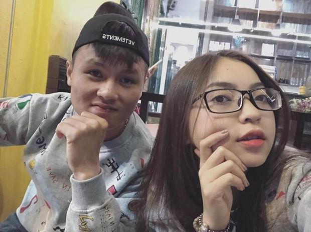 Trường Giang gây khó chịu khi liên tục hỏi xoáy chuyện tình cảm của bạn gái cầu thủ Quang Hải - Ảnh 4.