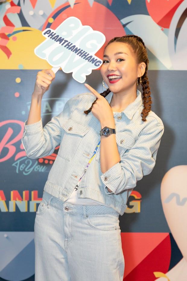 Thanh Hằng trẻ trung như gái 18, quậy hết cỡ cùng fan trong tiệc sinh nhật bước sang tuổi 36 - Ảnh 8.