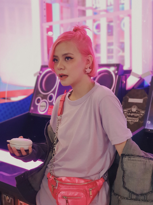 Sau khi công khai hẹn hò, Tia Hải Châu kết hợp Lê Thiện Hiếu bày hội chị em bí kíp thả thính trong MV mới! - Ảnh 6.