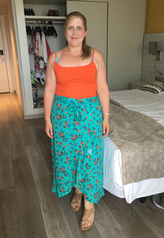 Cô gái người Anh cố tình mua váy cưới nhỏ hơn 3 size, hé lộ bí quyết giảm được 25kg trong 6 tháng - Ảnh 5.