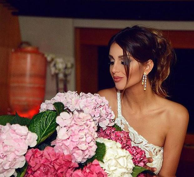 Hoa hậu Nga bị nghi cắm sừng Cựu Vương Malaysia: Quá khứ thác loạn đầy tranh cãi, lừa chồng đổ vỏ? - Ảnh 3.
