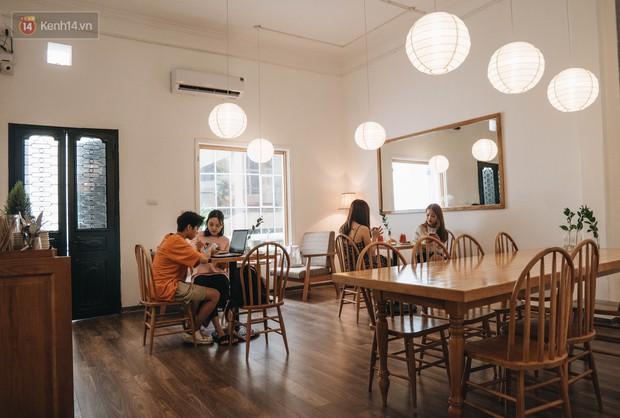 Ghé hai tiệm cafe cùng tông trắng xinh đang được check-in đông đảo nhất ở Hà Nội, mùa hè này đã có quán mới để dừng chân - Ảnh 7.