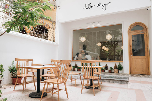 Ghé hai tiệm cafe cùng tông trắng xinh đang được check-in đông đảo nhất ở Hà Nội, mùa hè này đã có quán mới để dừng chân - Ảnh 3.