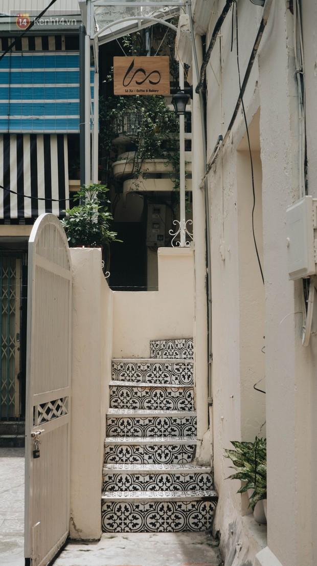 Ghé hai tiệm cafe cùng tông trắng xinh đang được check-in đông đảo nhất ở Hà Nội, mùa hè này đã có quán mới để dừng chân - Ảnh 25.