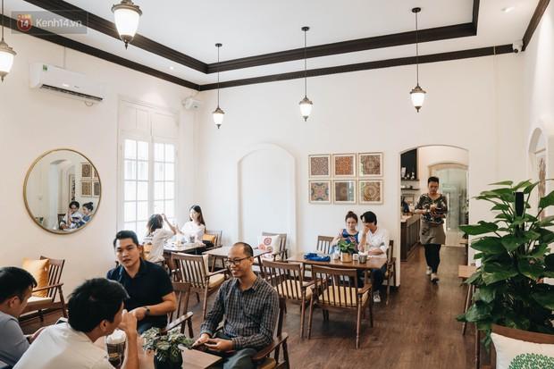 Ghé hai tiệm cafe cùng tông trắng xinh đang được check-in đông đảo nhất ở Hà Nội, mùa hè này đã có quán mới để dừng chân - Ảnh 26.