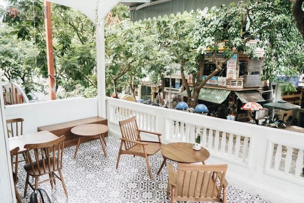 Ghé hai tiệm cafe cùng tông trắng xinh đang được check-in đông đảo nhất ở Hà Nội, mùa hè này đã có quán mới để dừng chân - Ảnh 27.