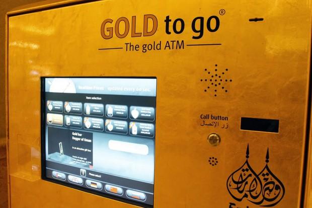Đi du lịch đến Dubai, bạn sẽ hết hồn khi biết nhà chờ xe buýt có lắp điều hoà, vàng được bán ở cây ATM - Ảnh 2.