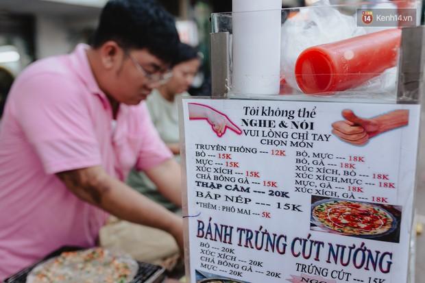 Hôm nay trời thật đẹp, nhưng tôi không thể nói và nghe - câu chuyện cảm động của hàng bánh tráng giữa lòng Sài Gòn - Ảnh 7.