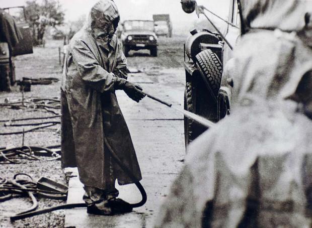 Chuyện gì sẽ xảy ra nếu lúc này bạn đến sống tại Vùng đất chết Chernobyl? - Ảnh 1.