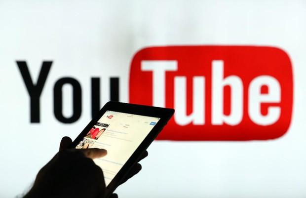 Một nửa số tiền quảng cáo trên YouTube rơi vào các clip nội dung xấu độc, nhảm nhí - Ảnh 2.
