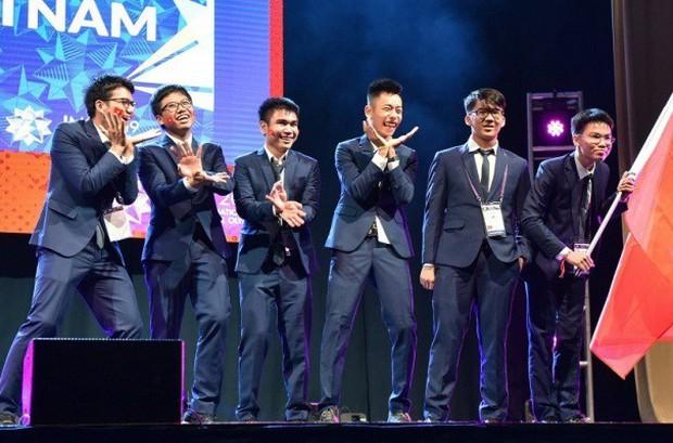 """Chuyện chưa kể về Nguyễn Nguyễn, chàng trai """"vàng"""" trong đội tuyển Olympic Toán quốc tế - Ảnh 2."""