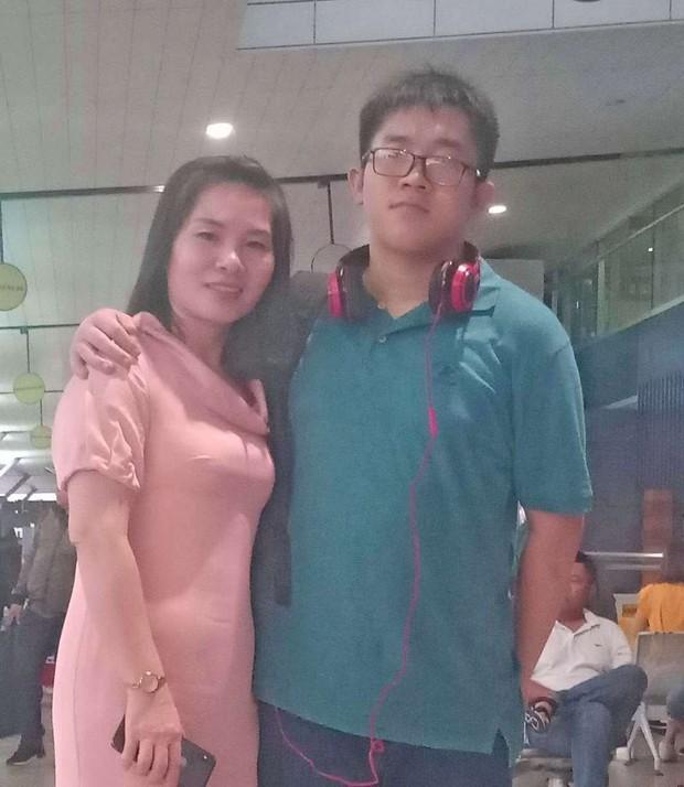Nam sinh có điểm cao nhất Olympic Toán quốc tế sang Singapore du học - Ảnh 2.