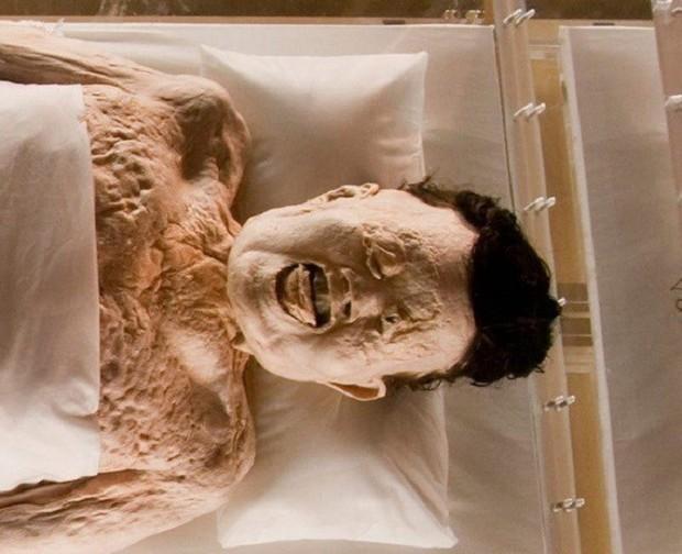 Câu chuyện bí ẩn về xác ướp vị phu nhân Trung Hoa kỳ lạ nhất thế giới: 2.000 năm tuổi da vẫn mềm, tóc vẫn xanh, có máu chảy trong tĩnh mạch - Ảnh 3.