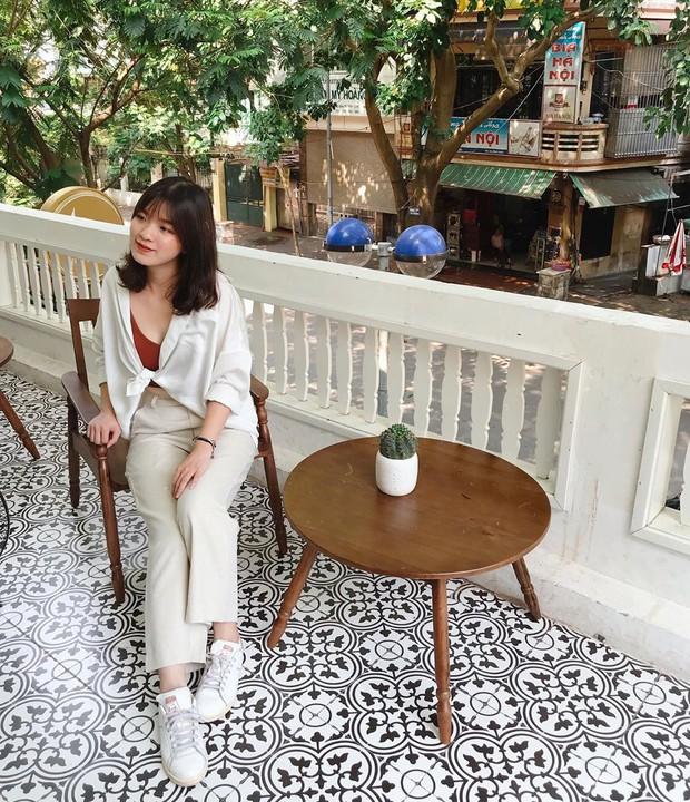 Ghé hai tiệm cafe cùng tông trắng xinh đang được check-in đông đảo nhất ở Hà Nội, mùa hè này đã có quán mới để dừng chân - Ảnh 39.