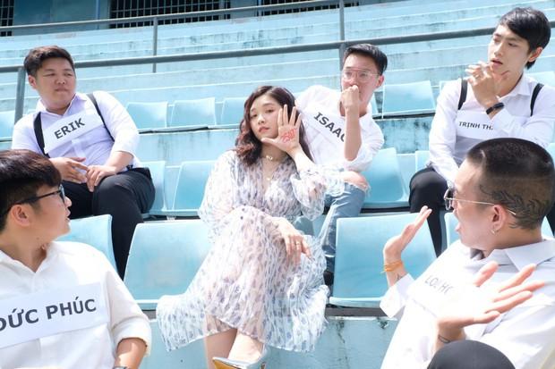 Isaac, Trịnh Thăng Bình, Erik, Đức Phúc, Lou Hoàng ngồi khóc theo cách thật đặc biệt trong MV mới của Suni Hạ Linh! - Ảnh 1.