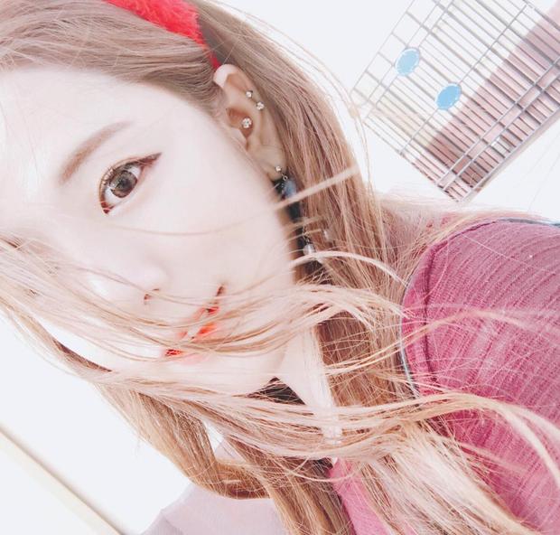 Ngắm nét đẹp nữ game thủ duy nhất tại PMCO PRELIMS 2019 - Ngỡ như idol Hàn debut chơi game! - Ảnh 7.
