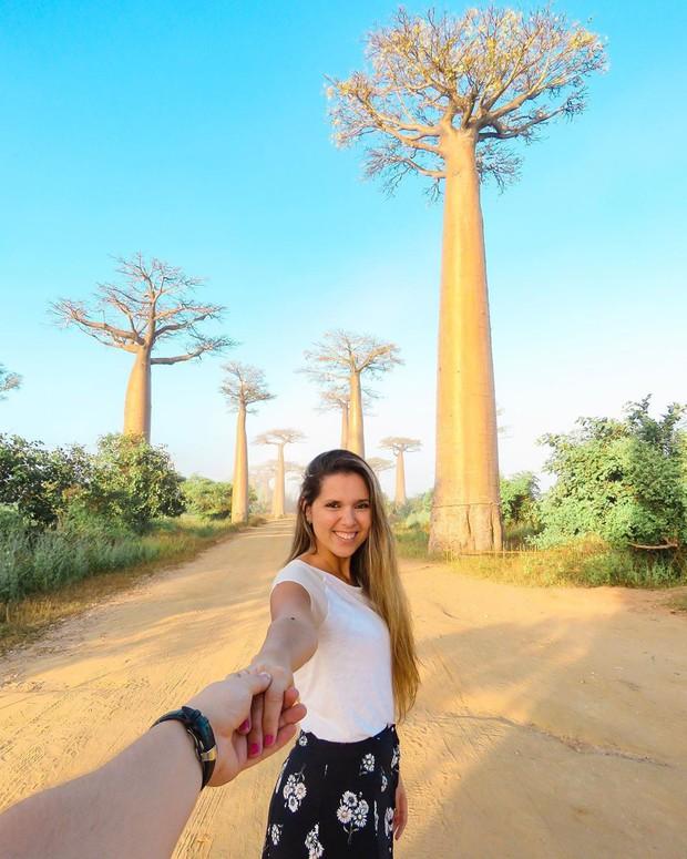 Dính phải lời nguyền phải mọc ngược, rừng cây ở Madagascar nay lại trở thành điểm check-in xịn xò của giới blogger du lịch - Ảnh 7.