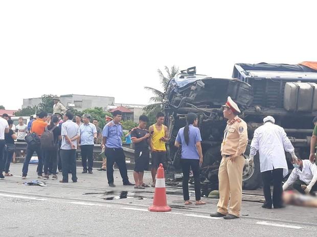 Buổi sáng kinh hoàng với người dân Hải Dương: 3 vụ tai nạn liên tiếp khiến 9 người thương vong - Ảnh 1.
