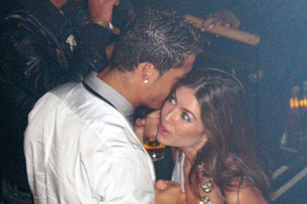 Chính thức: Kathryn Mayorga không đủ bằng chứng, Ronaldo thoát khỏi cáo buộc hiếp dâm - Ảnh 1.