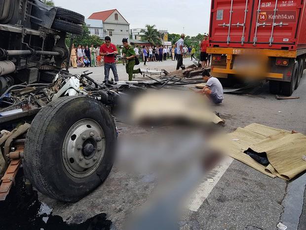 Danh tính các nạn nhân tử vong vụ xe tải lật đè vào nhóm người đứng gần hiện trường tai nạn giao thông ở Hải Dương - Ảnh 1.