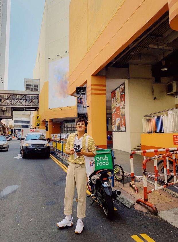 """Tìm kiếm hương vị Việt tại """"đất nước sắc màu"""" Malaysia với chàng hot boy xứ Nghệ của top 10 Here We Go 2019: Đi thật xa để tự hào! - Ảnh 21."""