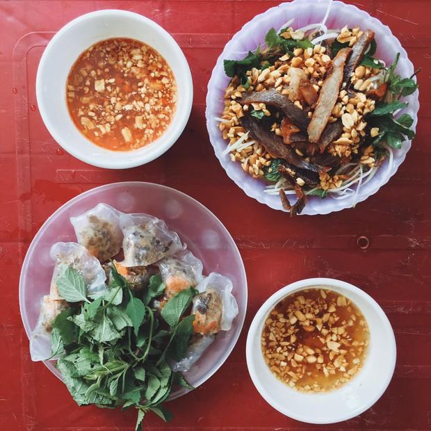 Bạn trai nhà người ta làm food tour dắt bạn gái đi ăn toàn nơi hay ho ở Hà Nội, các cô gái lại được dịp ghen tị - Ảnh 3.
