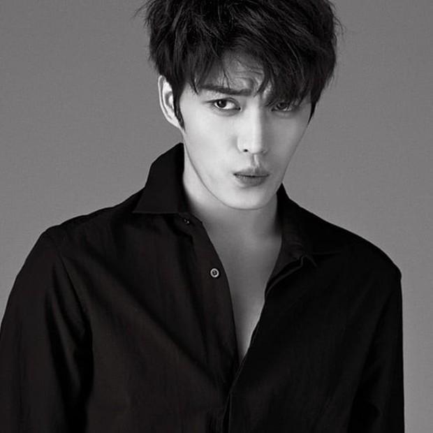 Kim Jae Joong vừa cân nhắc phim mới, Knet đã lật đật tuyên bố: Thêm một bom xịt! - Ảnh 1.