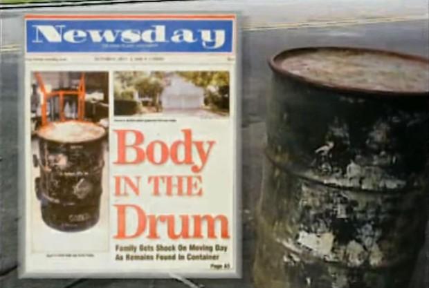 Mở chiếc thùng sắt nằm im lìm hơn 30 năm dưới tầng hầm, gia chủ kinh hãi phát hiện thi thể người phụ nữ mang thai, hé lộ tội ác ghê rợn chưa từng thấy - Ảnh 3.