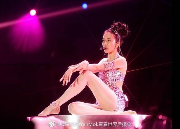 Những người đẹp sở hữu đôi chân đẳng cấp nhất của showbiz Hoa ngữ: Mỹ nhân 49 tuổi cạnh tranh cùng người yêu cũ của Huỳnh Hiểu Minh - Ảnh 3.
