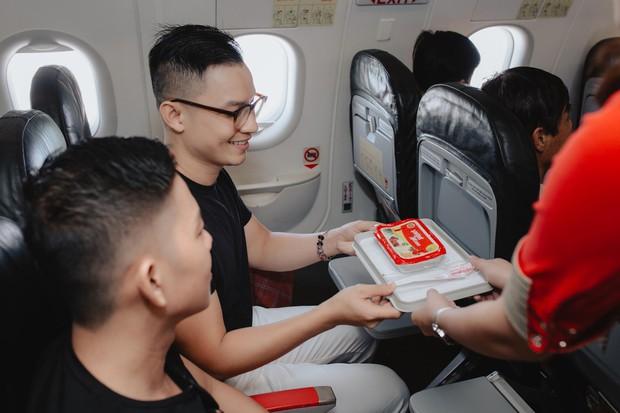 Cặp đôi LGBT gây bão mạng kỉ niệm 500 ngày yêu bằng chuyến du lịch lãng mạn ở Phú Quốc - Ảnh 4.