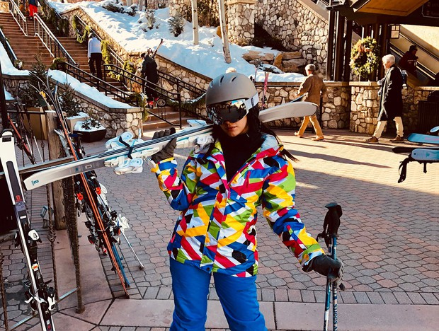 Tính ra tần suất đi du lịch của Camila Cabello cũng nhiều như số lần được fan ship với Shawn Mendes - Ảnh 15.