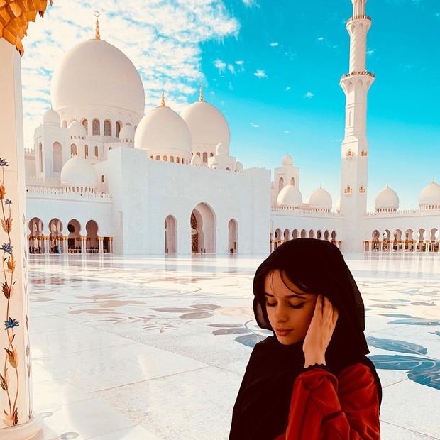 Tính ra tần suất đi du lịch của Camila Cabello cũng nhiều như số lần được fan ship với Shawn Mendes - Ảnh 12.