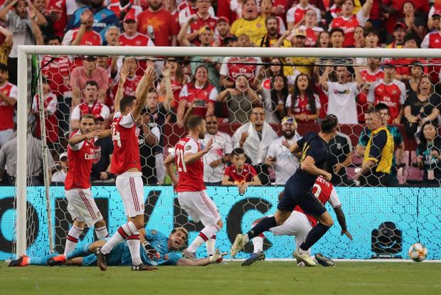 Gareth Bale giúp Real Madrid đánh bại Arsenal trong trận đấu giao hữu có 2 thẻ đỏ - Ảnh 1.