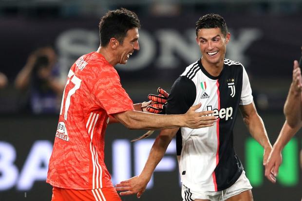 Ronaldo sút phạt thành bàn giải cứu đàn em De Ligt và Juventus - Ảnh 9.