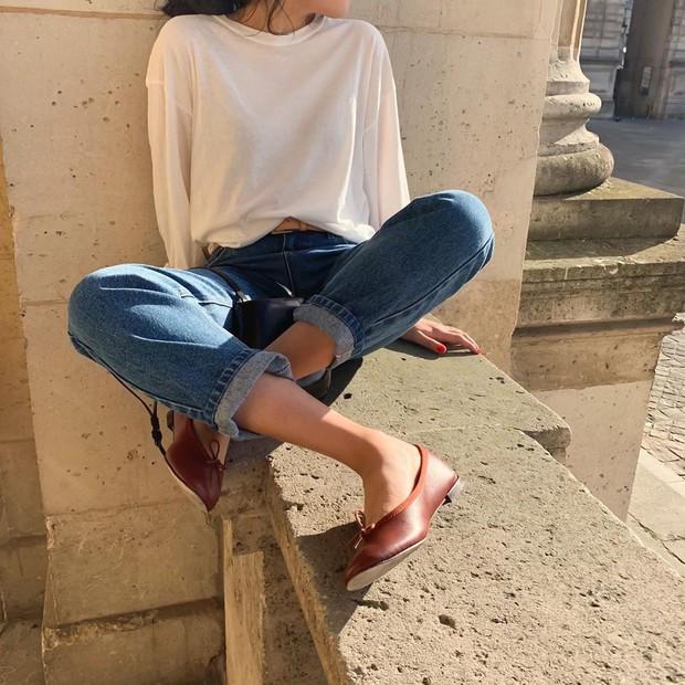 Thay mặt hội chị em có bàn chân to, cô nàng này đã thử nghiệm và tìm ra những loại giày dép tôn chân nịnh dáng nhất - Ảnh 2.