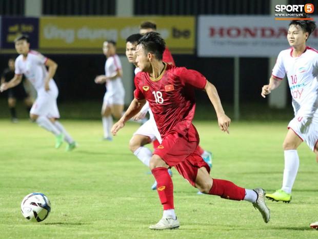 U22 Việt Nam 2-0 CLB Viettel: Hotboy Phố Hiến tỏa sáng - Ảnh 9.