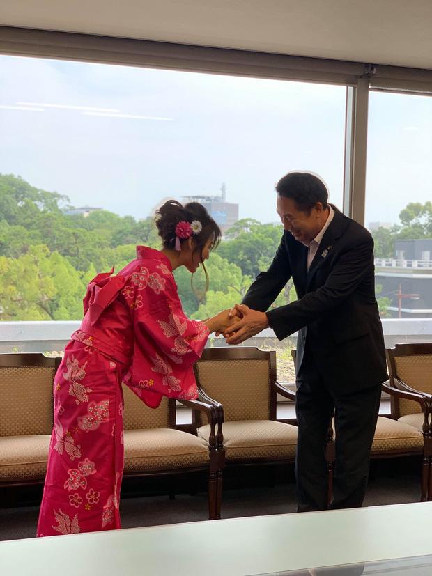 Khả Ngân trở thành Đại sứ du lịch vùng Wakayama Nhật Bản, được truyền thông nước bạn đồng loạt đưa tin - Ảnh 1.