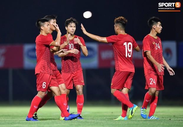 U22 Việt Nam 2-0 CLB Viettel: Hotboy Phố Hiến tỏa sáng - Ảnh 14.