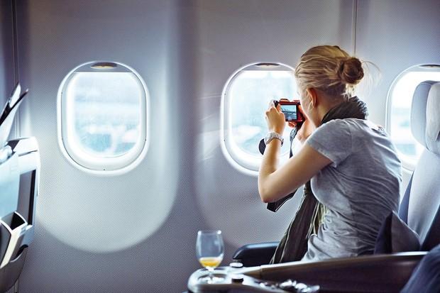 """Vietnam Airlines tăng hành lý xách tay lên hẳn 5kg nhưng khách hàng vẫn """"ăn gian"""" khi mang những thứ này lên máy bay - Ảnh 2."""