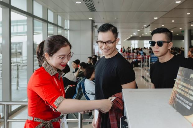 """Sau """"Người ấy là ai"""", Đức Hiền và Sơn Tùng bên nhau tình tứ trong chuyến kỷ niệm đặc biệt tại Phú Quốc - Ảnh 2."""