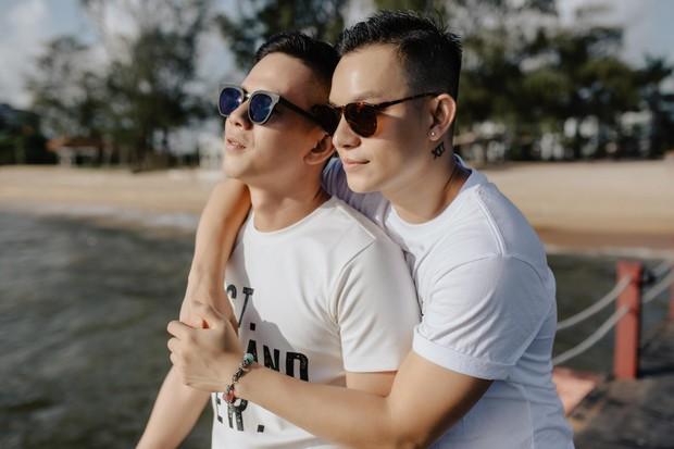 """Sau """"Người ấy là ai"""", Đức Hiền và Sơn Tùng bên nhau tình tứ trong chuyến kỷ niệm đặc biệt tại Phú Quốc - Ảnh 9."""