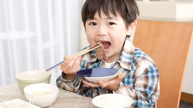 Những điều khiến trẻ em Nhật Bản có sức khỏe tốt nhất thế giới, người lớn cũng nên học tập - Ảnh 1.