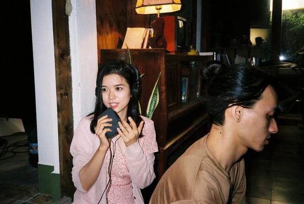 Đạo diễn của nhóm nhạc BTS khai thác vẻ đẹp dịu dàng chưa từng thấy của Suni Hạ Linh trong MV mới - Ảnh 10.