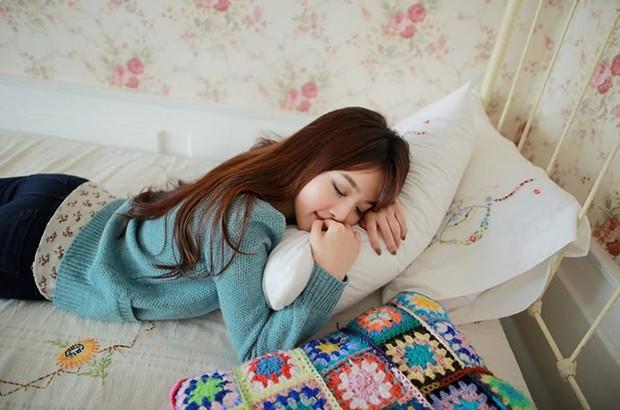 Sửa ngay những thói quen khi ngủ gây hại cho sức khỏe mà nhiều người thường làm mỗi đêm - Ảnh 4.